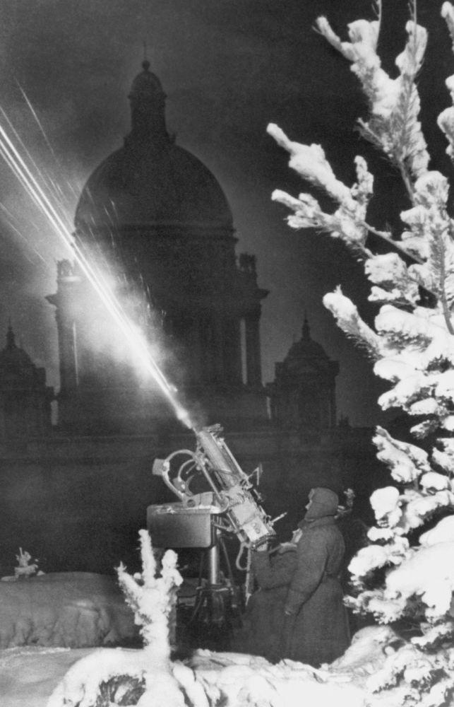 Sobór św. Izaaka podczas blokady Leningradu