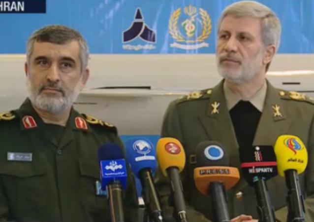 Iran zaprezentował nowy pocisk manewrujący dalekiego zasięgu
