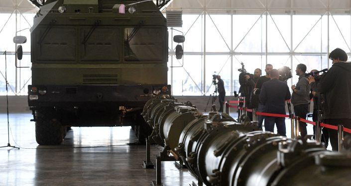 Rakieta 9M729 w pawilonie wystawowym w obwodzie moskiewskim