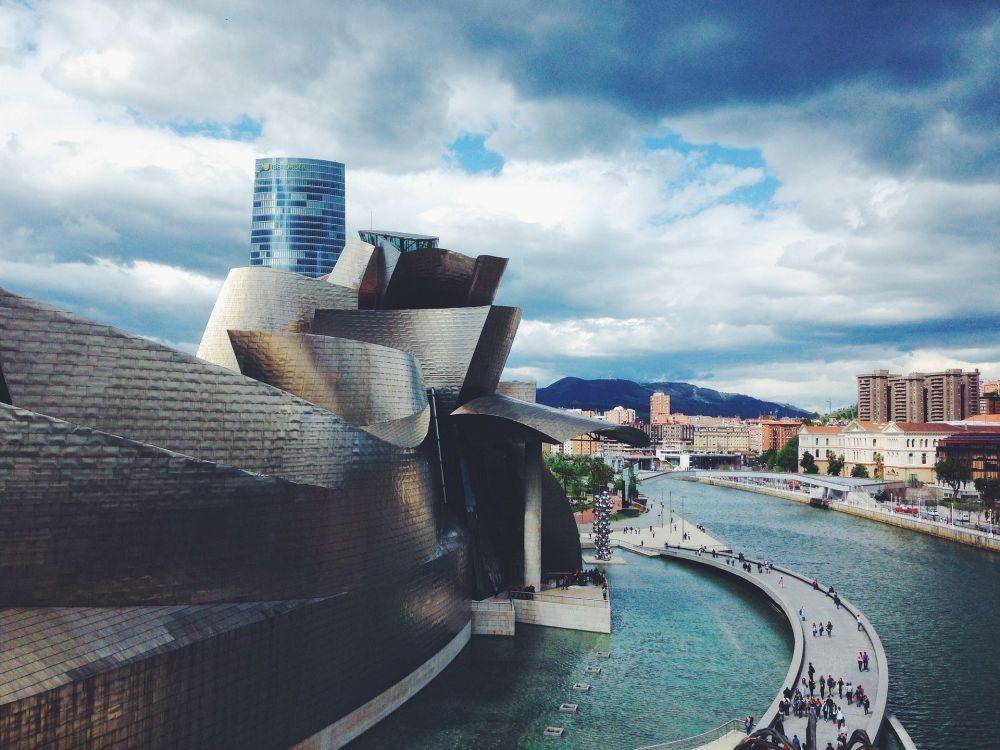 Muzeum Guggenheima w Bilbao – hiszpańskie muzeum sztuki współczesnej