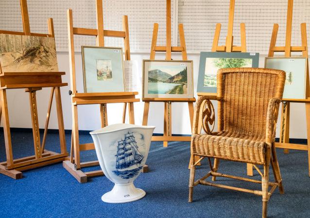 Pięć obrazów, których autorstwo przypisywane jest Adolfowi Hitlerowi, nie udało się sprzedać na aukcji w Norymberdze.