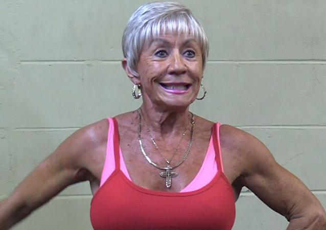 75-letnia mistrzyni kulturystyki