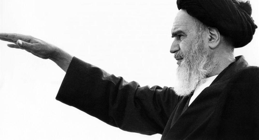 Przywódca Rewolucji Islamskiej Ruhollah Musawi Chomejni w Iranie