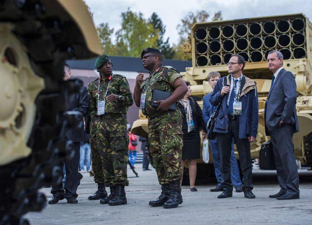Uczestnicy Międzynarodowych Targów Wojskowych Russia Arms Expo