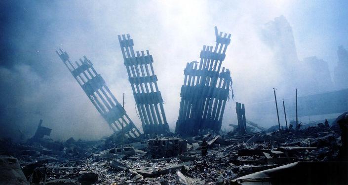Gruzy WTC w Nowym Jorku po zamachach terrorystycznych 11 września