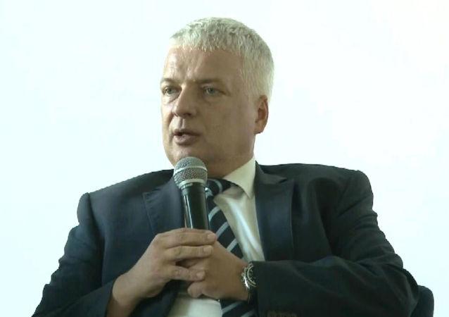 Dr hab. Robert Gwiazdowski