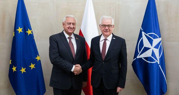Przewodniczący Rady Republiki Zgromadzenia Narodowego Republiki Białorusi Michaił Miasnikowicz z ministerem spraw zagranicznych Polski Jackiem Czaputowiczem w Warszawie