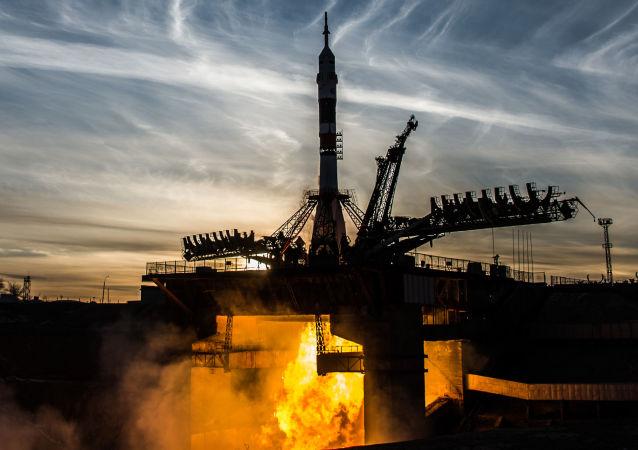 Start rakiety nośnej Sojuz-FG ze statkiem załogowym Sojuz MS-11 z kosmodromu Bajkonur