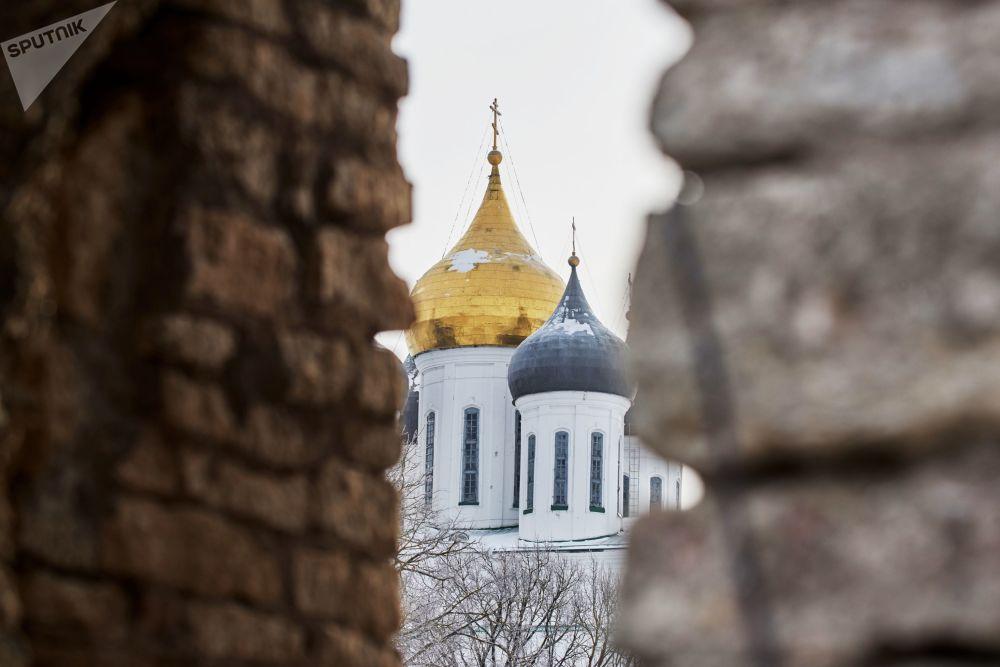 Kopuła Soboru św. Trójcy na terenie Centrum Historyczno-Architektonicznego Pskowskiego Kroma