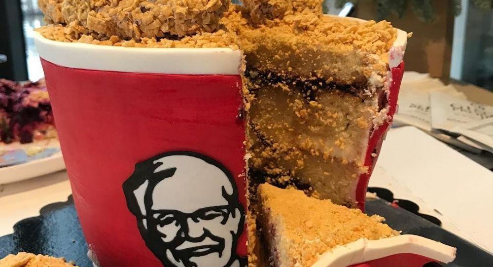 Tort w kształcie kubełka KFC