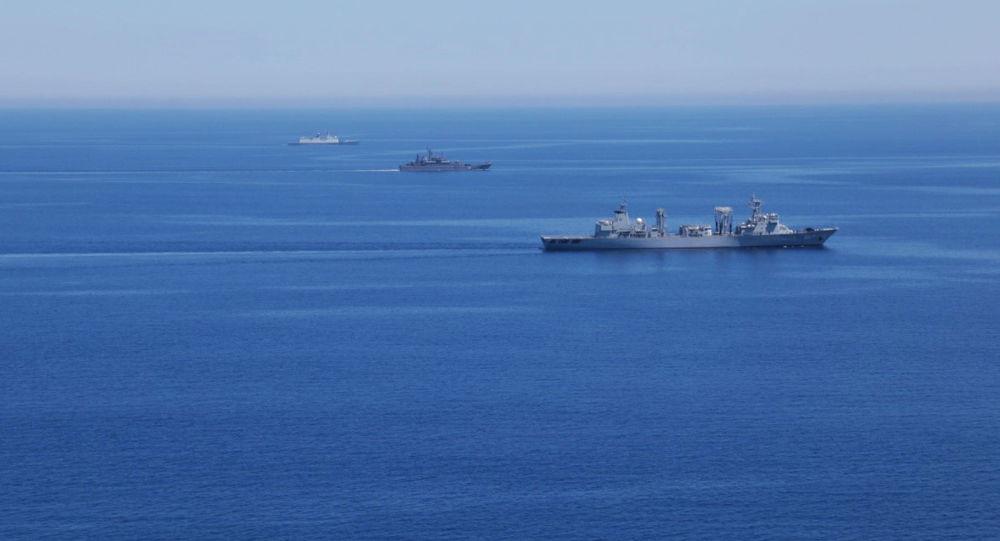 Okręty Marynarki Wojennej Rosji i Chin podczas wspólnych ćwiczeń na Morzu Śródziemnym