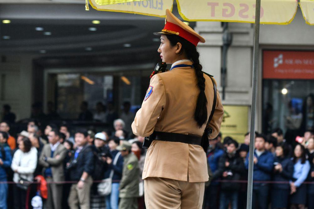 Wietnamska policjantka podczas przybycia Kim Dzong Una