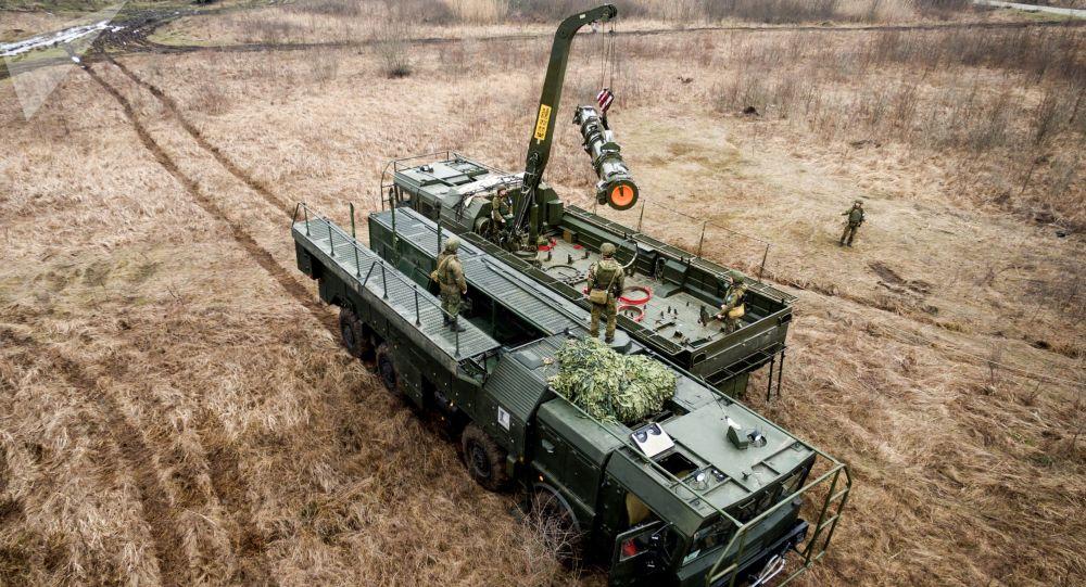 """Ćwiczenia jednostek systemu rakietowego """"Iskander-M"""" w Kraju Krasnodarskim"""
