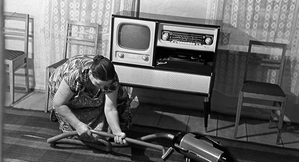 Sprzątanie w pokoju, ZSRR, lata 60.